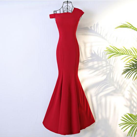 40b1f89e8b Piękne Czerwone Sukienki Wieczorowe 2017 Syrena   Rozkloszowane Kaskadowe  Falbany Bez Pleców Jedno Ramię Kótkie Rękawy Długie Sukienki Wizytowe