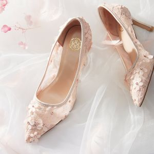 Elegant Nude Wedding Shoes 2020 Lace Appliques Rhinestone 7 cm Stiletto Heels Pointed Toe Wedding Pumps