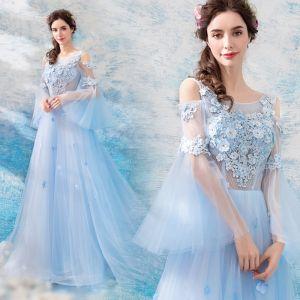 Illusion Bleu Ciel Transparentes Robe De Soirée 2019 Princesse Encolure Dégagée Manches de cloche Appliques En Dentelle Faux Diamant Tribunal Train Volants Dos Nu Robe De Ceremonie