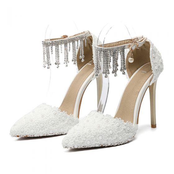 Elegant Ivory Lace Flower Wedding Shoes 2020 Rhinestone Tassel Ankle Strap Pearl 11 cm Stiletto Heels Pointed Toe Wedding Pumps