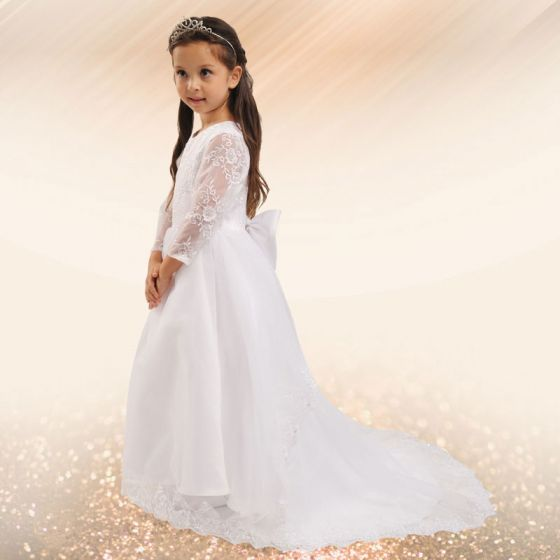 White Flower Girl Long Tail Lace Princess Dress Mopping The Floor