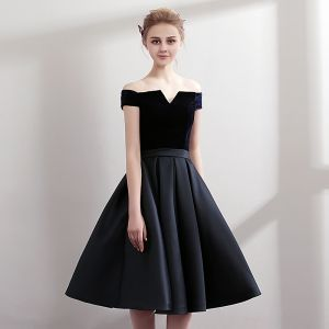 Modest / Simple Navy Blue Party Dresses 2018 A-Line / Princess Off-The-Shoulder Short Sleeve Sash Knee-Length Ruffle Backless Formal Dresses