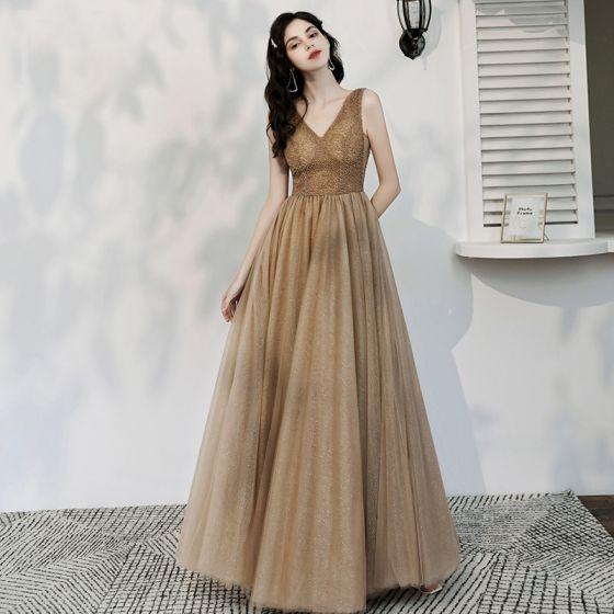 Schöne Champagner Glanz Abendkleider 2020 A Linie V-Ausschnitt Perlenstickerei Ärmellos Rückenfreies Lange Festliche Kleider