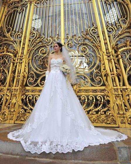 Satin Tyll Blonder Beading Kjaereste Gulv Lengde Katedralen Tog A-linje Brudekjoler Bryllupskjoler
