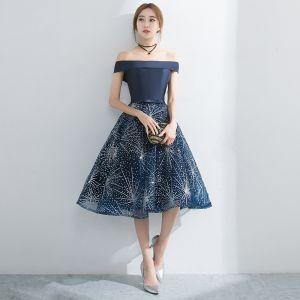 Elegant Navy Blue Homecoming Graduation Dresses 2017 Cascading Ruffles A-Line / Princess Knee-Length Off-The-Shoulder Short Sleeve Backless Bow Sash Rhinestone Formal Dresses