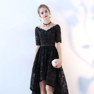 Schöne Schwarz Cocktailkleider 2017 A Linie Spitze V-Ausschnitt Rückenfreies Kurze Ärmel Asymmetrisch Festliche Kleider