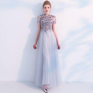 Elegante Grau Ballkleider 2019 A Linie Stehkragen Durchsichtige Spitze Blumen Applikationen Perle Kurze Ärmel Lange Festliche Kleider