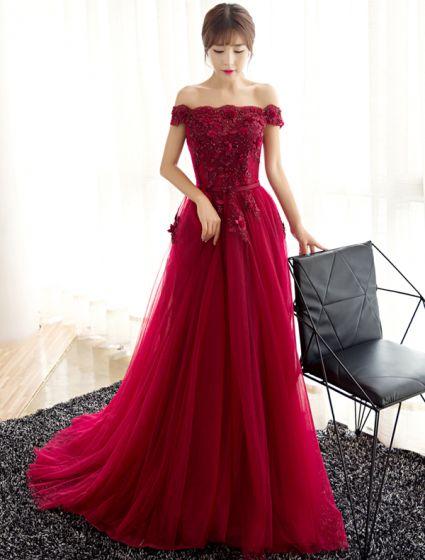 Robe De Soirée Glamour 2017 De L'épaule Perles Applique Fleurs Robe Bordeaux