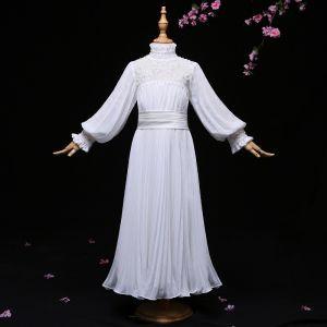 Schöne Ivory / Creme Mädchenkleider 2017 A Linie Stoffgürtel Rüschen Stehkragen Lange Ärmel Lange Kleider Für Hochzeit