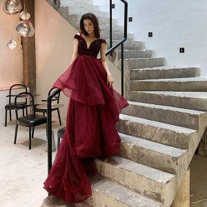 Elegante Bordeaux Avondjurken 2019 A lijn V-Hals Korte Mouwen Kralen Sweep Trein Cascading Ruches Ruglooze Gelegenheid Jurken