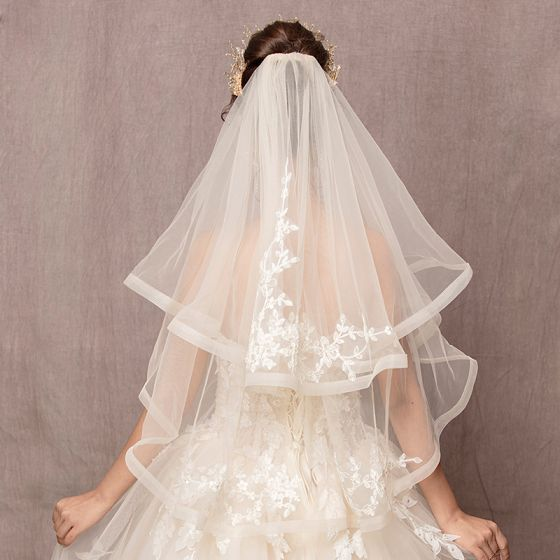 Chic / Beautiful Ivory Wedding Lace Tulle Embroidered Handmade  Short Wedding Veils 2019