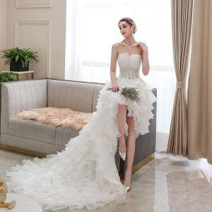 Erschwinglich Ivory / Creme Hochzeits Brautkleider / Hochzeitskleider 2020 Ballkleid Bandeau Ärmellos Rückenfreies Applikationen Spitze Perlenstickerei Asymmetrisch Rüschen