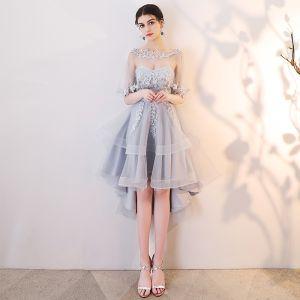 Chic / Belle Gris Robe De Cocktail 2019 Princesse Encolure Dégagée En Dentelle Appliques 1/2 Manches Dos Nu Asymétrique Robe De Ceremonie