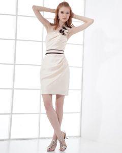 Satén De Moda Vestido De Cóctel De Longitud Del Muslo De Un Hombro Plisado