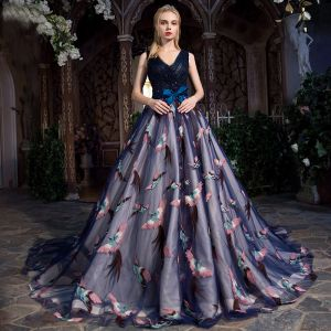 Chic / Beautiful Navy Blue Prom Dresses 2017 Ball Gown V-Neck Sleeveless Appliques Flower Pearl Rhinestone Bow Sash Chapel Train Ruffle Backless Formal Dresses