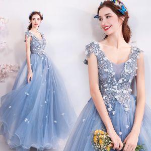 Elegant Sky Blue Prom Dresses 2018 Ball Gown V-Neck Sleeveless Appliques Flower Rhinestone Crystal Beading Floor-Length / Long Ruffle Backless Formal Dresses
