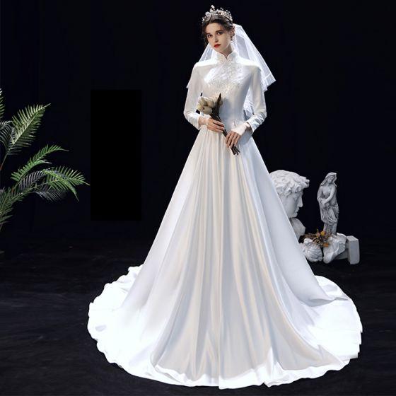 Bescheiden Moslim Witte Satijn Winter Bruids Trouwjurken 2020 A lijn Hoge Kraag Lange Mouwen Appliques Kant Sweep Trein Ruche