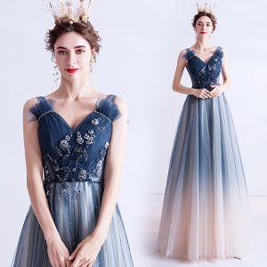 Elegante Marineblau Abendkleider Pailletten 2020 A Linie Rüschen V-Ausschnitt Perlenstickerei Kristall Ärmellos Rückenfreies Lange Festliche Kleider