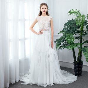 2 Stück Ivory / Creme Chiffon Brautkleider / Hochzeitskleider 2020 A Linie Rundhalsausschnitt Ärmellos Sweep / Pinsel Zug Rüschen