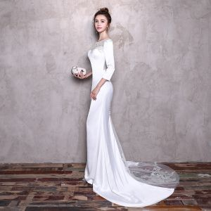 Sexy White Pierced Evening Dresses  2017 Trumpet / Mermaid Scoop Neck Long Sleeve Appliques Lace Beading Pearl Rhinestone Court Train Formal Dresses