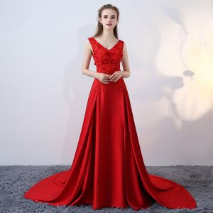 Chic / Beautiful Evening Dresses  2017 Red Crossed Straps Appliques Backless Embroidered Printing Charmeuse Lace V-Neck Cocktail Party Sleeveless A-Line / Princess Evening Party
