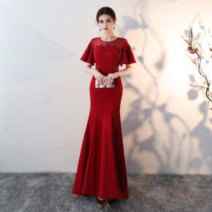 Chic / Beautiful Burgundy See-through Evening Dresses  2018 Trumpet / Mermaid Scoop Neck Short Sleeve Appliques Lace Rhinestone Sweep Train Backless Formal Dresses