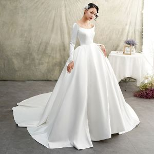 Vintage / Retro Ivory Satin Winter Wedding Dresses 2019 Princess Scoop Neck Long Sleeve Chapel Train Ruffle