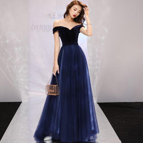 2198f304 Proste / Simple Granatowe Sukienki Wieczorowe 2019 Princessa Przy Ramieniu  Zamszowe Kótkie Rękawy Bez Pleców Trenem Sweep Sukienki Wizytowe
