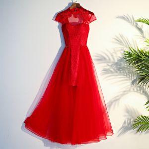 Chinesischer Stil Rot Abendkleider 2017 A Linie Gekreuzte Träger Applikationen Mit Spitze Blumen Perlenstickerei Stehkragen Kurze Ärmel Wadenlang Abend