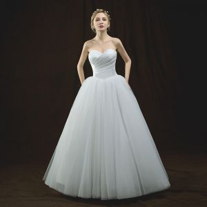 Modest / Simple Ivory Wedding Dresses 2018 Ball Gown Sweetheart Sleeveless Backless Floor-Length / Long Ruffle