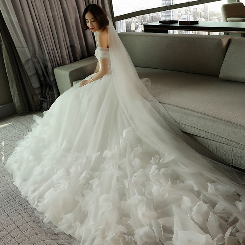 Chic / Beautiful Church Wedding Dresses 2017 White A-Line / Princess Cathedral Train Off-The-Shoulder Short Sleeve Backless Feather Flower Appliques