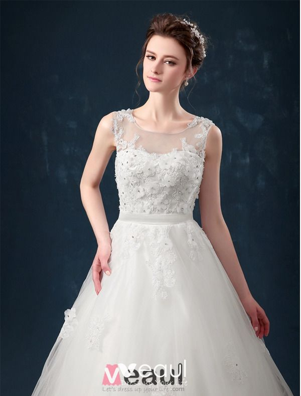 2015 A-line Shoulders Handmade Flowers Sash Applique Lace Wedding Dress
