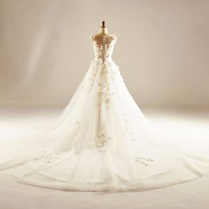 Chic / Beautiful Hall Wedding Dresses 2017 Sequins Beading Pearl Lace Appliques Flower Backless Sleeveless Scoop Neck Cathedral Train White Ball Gown US 14 / UK 18 US 16 / UK 20