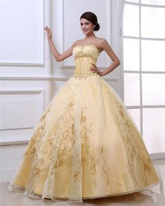 Ball Gown Satin Yarn Applique Embroidery Beading Sweetheart Floor Length Quinceanera Prom Dresses