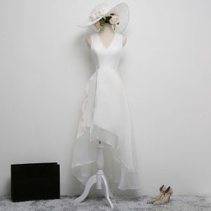 Modest / Simple White Party Dresses 2017 A-Line / Princess V-Neck Sleeveless Asymmetrical Ruffle Formal Dresses