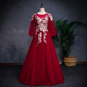 Modern / Fashion Burgundy Prom Dresses 2019 A-Line / Princess Off-The-Shoulder Puffy 3/4 Sleeve Appliques Lace Pearl Rhinestone Floor-Length / Long Ruffle Backless Formal Dresses