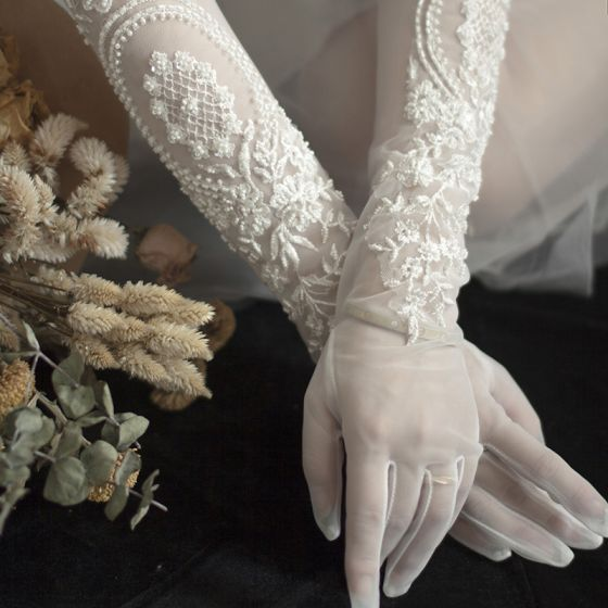 Luxury / Gorgeous White Bridal Gloves 2020 Lace Tulle Handmade  Appliques Beading Pearl Wedding Accessories