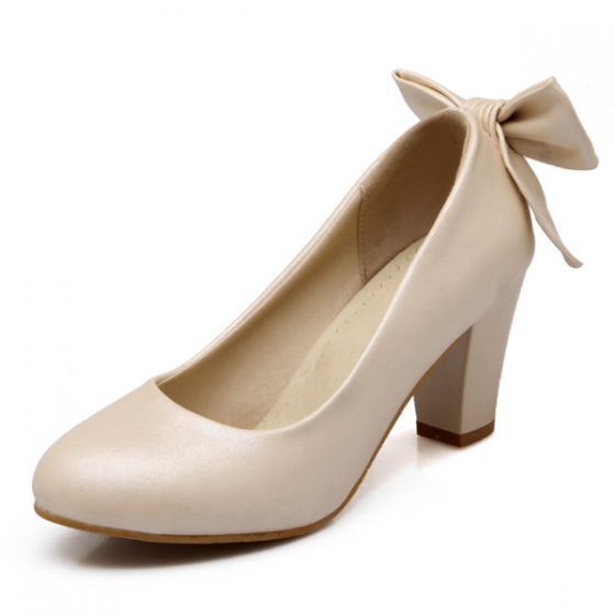 Chic Beige Pumps Patent Leather 7 cm Thick Heels Bridesmaid Shoes With Bow