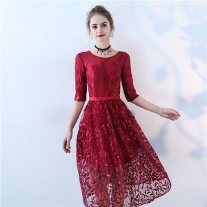 Chic / Beautiful Burgundy Homecoming Graduation Dresses 2017 Formal Dresses Lace Bow Sequins Scoop Neck 3/4 Sleeve Knee-Length A-Line / Princess