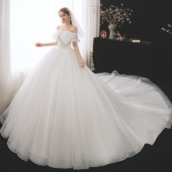 Modest / Simple White Bridal Wedding Dresses 2021 Ball Gown Off-The-Shoulder Short Sleeve Backless Beading Glitter Tulle Cathedral Train Ruffle