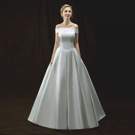 Modest / Simple Ivory Wedding Dresses 2018 A-Line / Princess Off-The-Shoulder Short Sleeve Backless Floor-Length / Long Ruffle