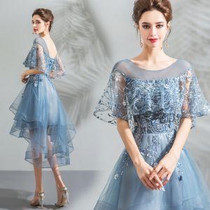 Mode Blau Cocktailkleider 2018 A Linie Asymmetrisch Spitze Blumen Perle Rundhalsausschnitt Rückenfreies Kurze Ärmel Festliche Kleider