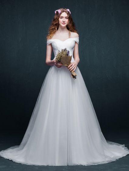 Enkel A-linje Från Axeln Rufsa Organza Bröllopsklänning