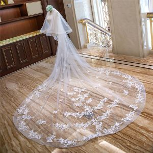 Mooie / Prachtige Witte Royal Train Huwelijk Tule Appliques Bloem 4 m Bruidssluier 2018