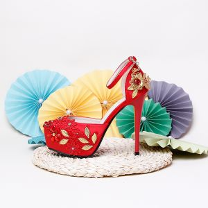Fashion Red Wedding Shoes 2020 Satin Ankle Strap Rhinestone Lace Flower 14 cm Stiletto Heels Pointed Toe Wedding High Heels