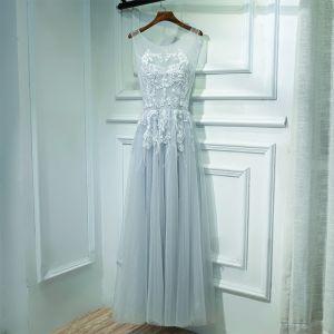Eenvoudige Grijs Jurken Voor Bruiloft Bruidsmeisjes Jurken 2017 Kant Bloem Parel Ronde Hals Enkellange Mouwloos A lijn