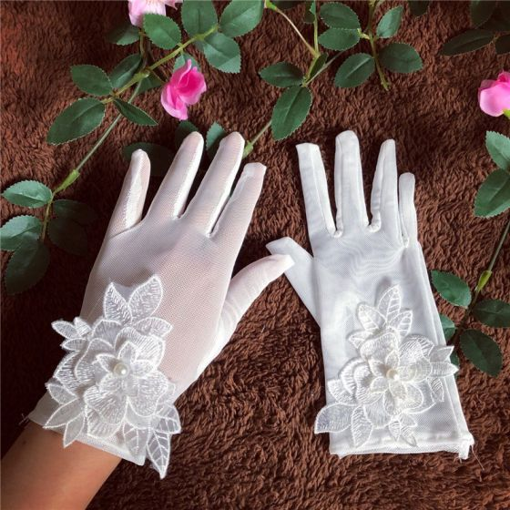 Chic / Beautiful White Bridal Gloves 2020 Appliques Flower Pearl Lace Tulle Bridal Prom Wedding Accessories