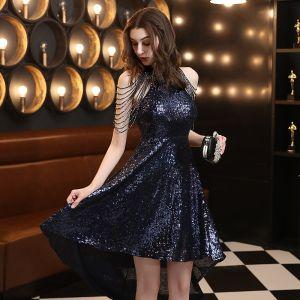Sparkly Mørk Marineblå Cocktailkjoler 2020 Prinsesse Scoop Halsen Uten Ermer Paljetter Beading Asymmetrisk Formelle Kjoler