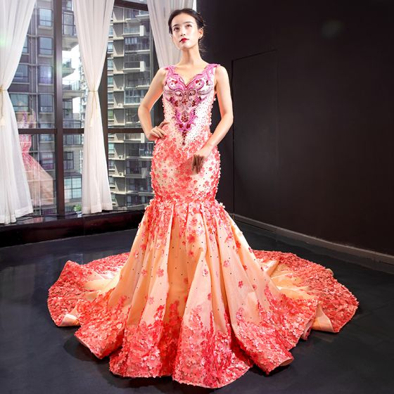 Flower Fairy Champagne Evening Dresses  2020 Trumpet / Mermaid V-Neck Sleeveless Watermelon Appliques Flower Rhinestone Beading Chapel Train Ruffle Backless Formal Dresses