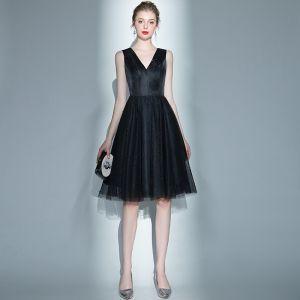 Mode Schwarz Heimkehr Abiballkleider 2020 A Linie V-Ausschnitt Ärmellos Perlenstickerei Perle Kurze Rüschen Rückenfreies Festliche Kleider